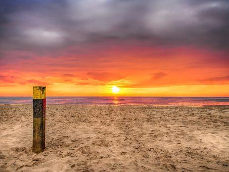 Zonsondergang, texelse strand. ILOVETEXEL 10-2020, eigendom justinsinner.nl